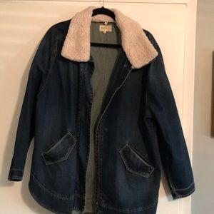 Women's oversized Jean jacket.